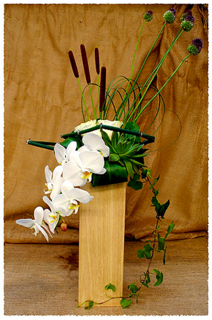 Ikebana Pillar of Destiny